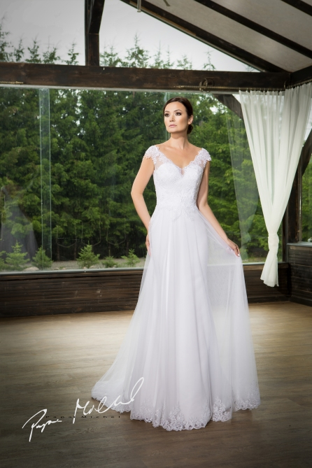 8f2d8809 Brudekjoleserie Dolizoso fra http://www.jyang.no Tlf. 22423000 Vi kan  skreddersy kjolen etter kundens mål i alle størrelse. klassisk design.